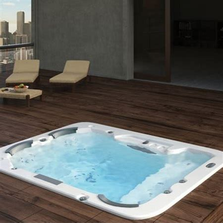 jaguar bathtubs jaquar eden 150x150 corner bath tubs price specification