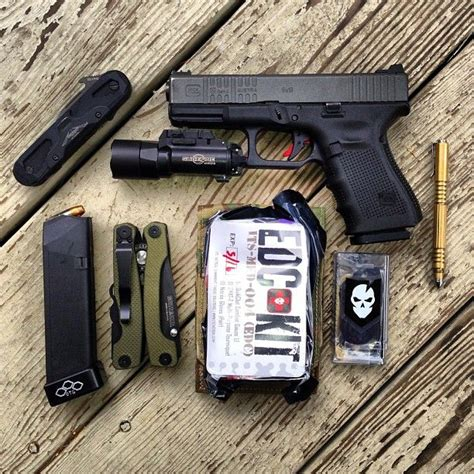 everyday carry tactical 17 best images about edc on survival kits