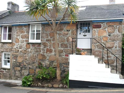 Cottages In Mousehole by Cobbler S Cottage Beautifully Restored Grade Ii Character