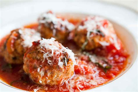 recipes for a sausage meatballs with ricotta in tomato sauce recipe