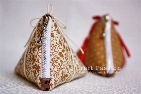 pattern for triangle coin purse with zipper triangle zipper coin purse free sewing pattern frame