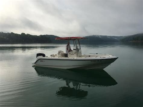 whaler boat battery boston whaler 210 outrage boats for sale