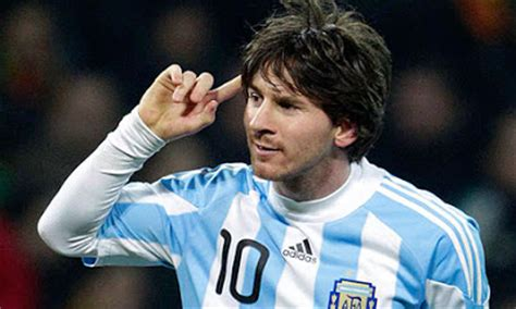 messi born in italy famous soccer players blog ddi handsome soccer star