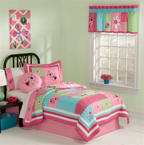 bed sets for girls lady bug gardener bedding quilt set in full queen and twin