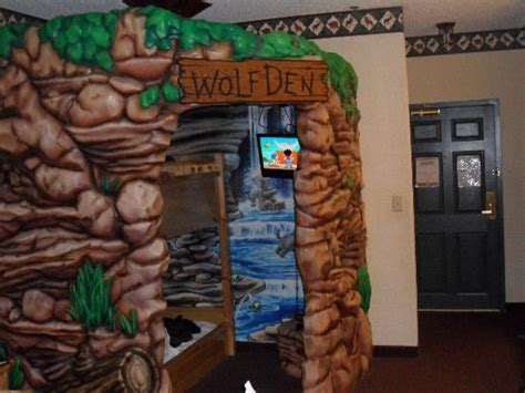wolf den room great wolf lodge room pic 1 picture of great wolf lodge sandusky