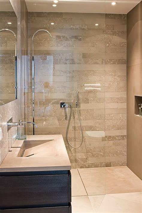 Incroyable Carrelage Mur Et Sol Salle De Bain #1: carrelage-salle-de-bain-sol-et-murs-beige-salles-de-bains-modernes.jpg
