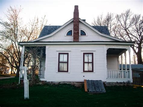 haunted houses in iowa 38 real haunted houses and the stories behind them