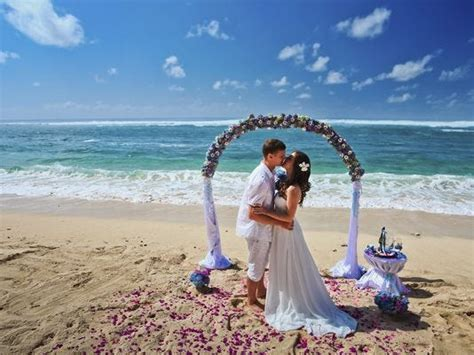 Five reasons to use a travel agent for a destination wedding