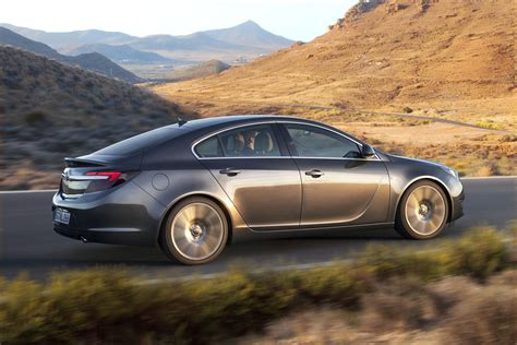 opel insignia opel vauxhall insignia facelift full details and photos