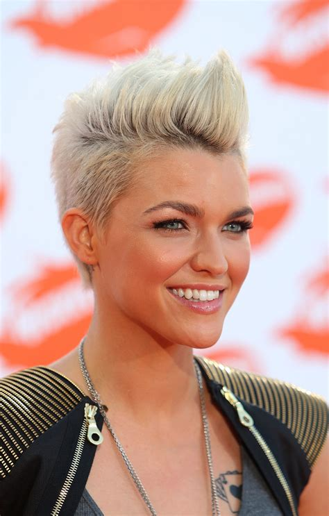 feminine mohawk 15 gorgeous mohawk hairstyles for women this year