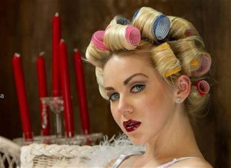 asymmetrical bob using rollers 132 best blonde bouffant images on pinterest