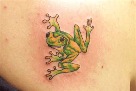 small frog tattoo small frog images for tatouage