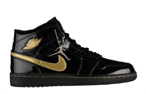 air shoes 1 gold and black traffic school
