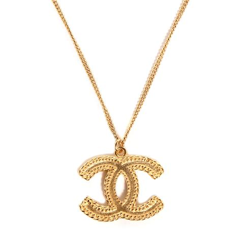 Pendant Necklace Gold With I You chanel cc pendant necklace gold 90877