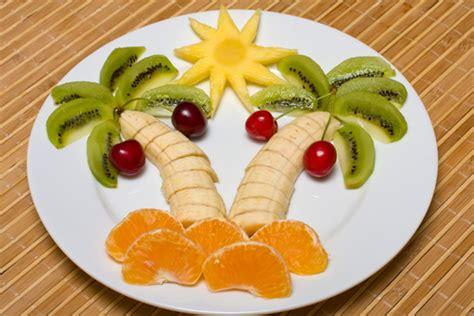 Pineapple Decorations Home by How To Make A Fruit Salad Tree 80beats 80beats