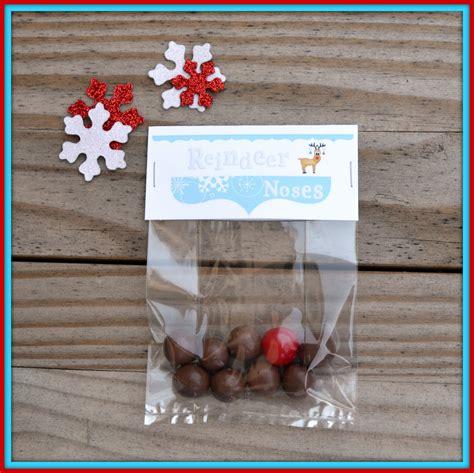 printable reindeer noses topper craftaphile free printable treat bag toppers for reindeer