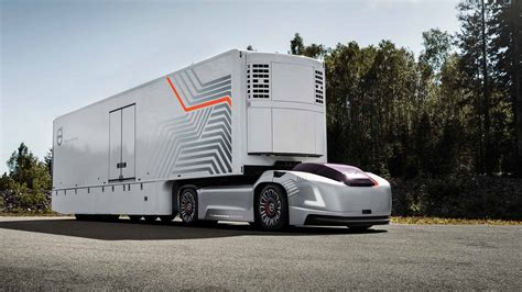 safety driver herevolvos  driverless truck cuts  cab
