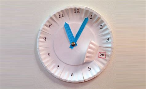How To Make Clock Using Paper Plate - 12 innovative paper plate crafts diy home things