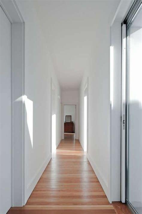 armadi stretti arredamento corridoio stretto e lungo foto design mag