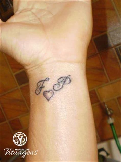 tattoo de panda no pulso iniciais no pulso foto 3914 mundo das tatuagens