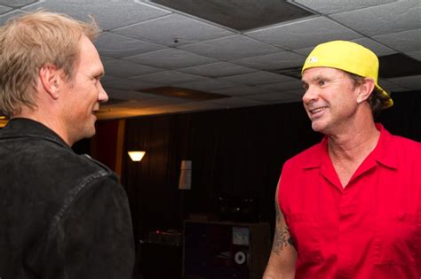 red hot chili peppers chad smith nick lidstrom with chad smith of the red hot chili peppers