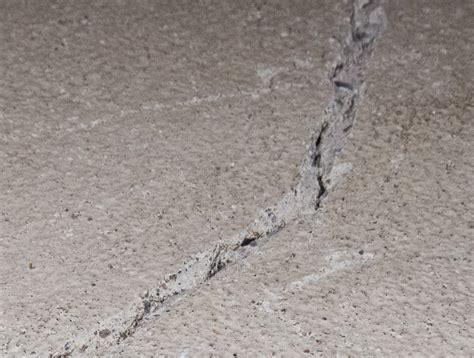 Concrete Crack Chasing