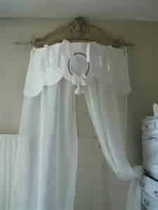 rideau ciel de lit en linge ancien et voile de