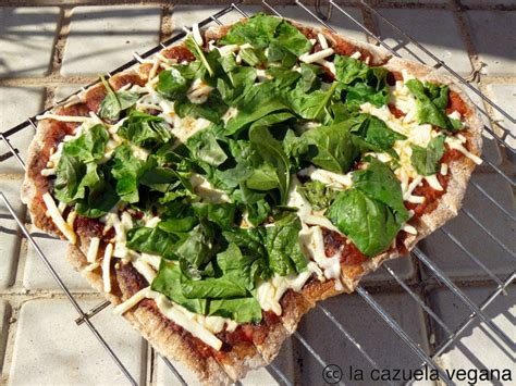 despensa gravada pizza de espelta a la brasa la cazuela vegana