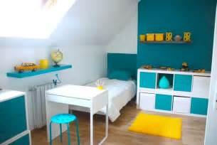 d 233 coration chambre enfant bleu et jaune