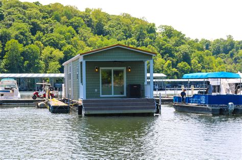 Harbor Cottage by Green Harbor Cottage Houseboat