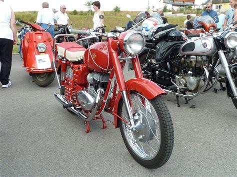 Pannonia Motorrad by Pannonia Motorrad Steht In Der Sonne Gl 228 Nzend Bei Der