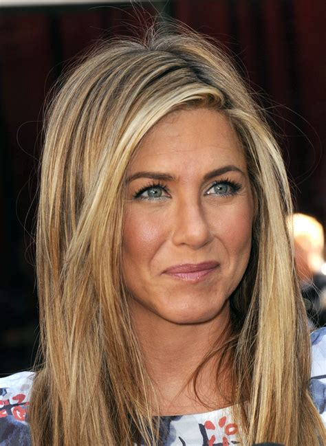 jennifer aniston natural hair color celebrity eye color blue vs brown jennifer aniston