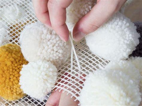 pompom teppich die besten 25 diy teppiche ideen auf tapis