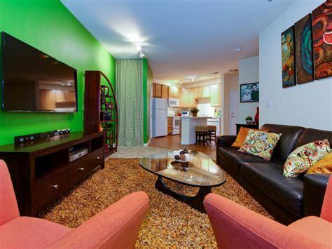 Bright Green Living Room 23 Green Wall Designs Decor Ideas For Living Room