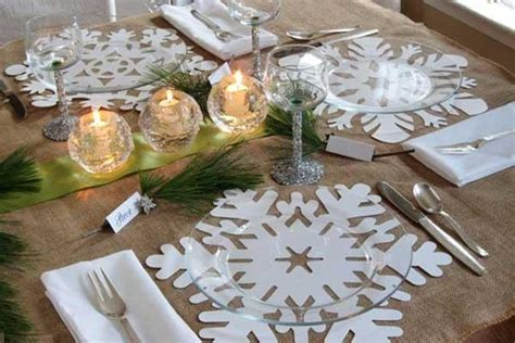 Paper Table Decorations To Make - big paper snowflakes used as placemats glass plates
