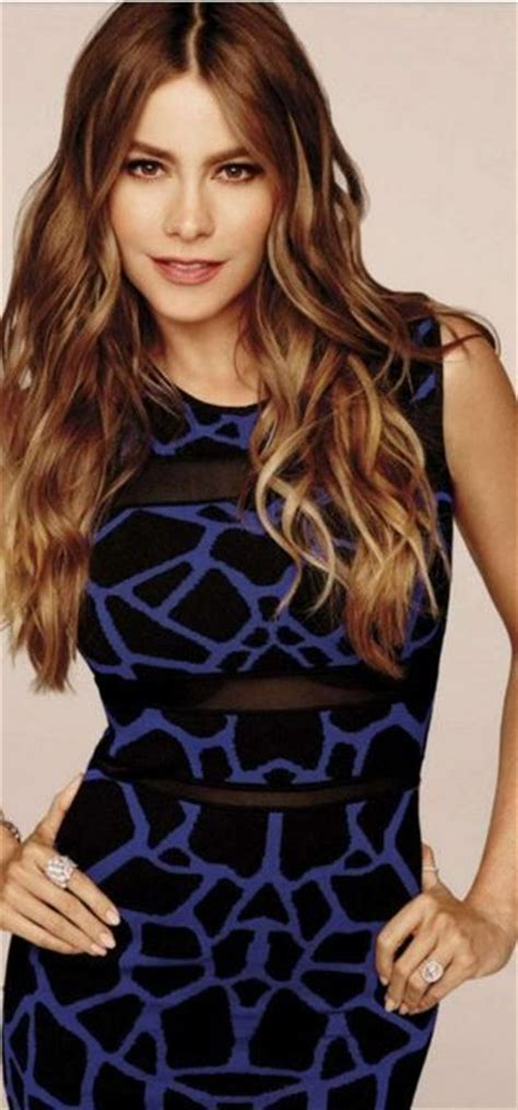 Sofia Blueblack who made sof 237 a vergara s black and blue print dress sofia vergara style