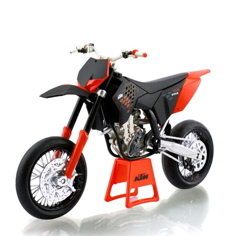 Miniatur Diecast Replika Motor Ktm 450 Sx R 118 Welly ktm 450 smr 09 road 1 12 scale alloy metal diecast models motor bike miniature race for