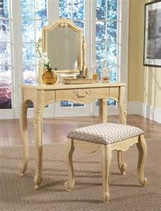 Vintage Bedroom Vanities Vintage Makeup Vanity The Value And How To Choose