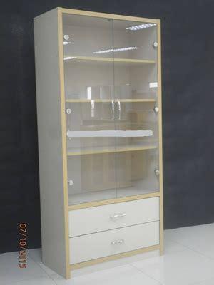 Lemari Kaca Toko jual lemari rak buku rak sepatu lemari kaca display
