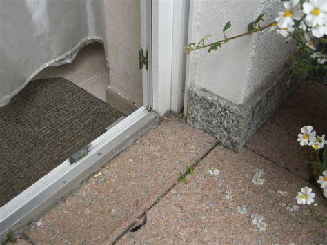 abdichtung terrasse hauswand wie undichte terrasse abdichten hessen hausgarten net
