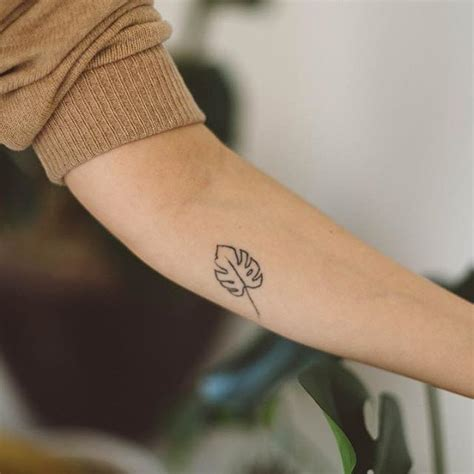 minimalist leaf tattoo home made tattoos a monstera leaf for anny traded for a