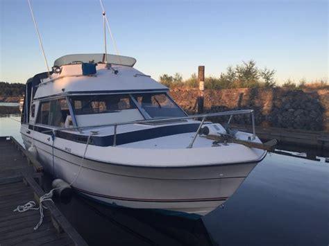 bayliner boats pei reduced bayliner 2750 command bridge central