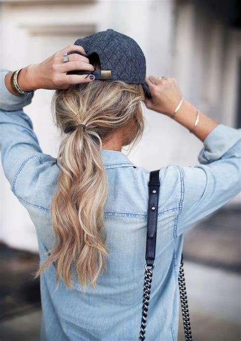 womans topper worn in ponytail 5 low pony 9 hairstyles that look cute under a baseball