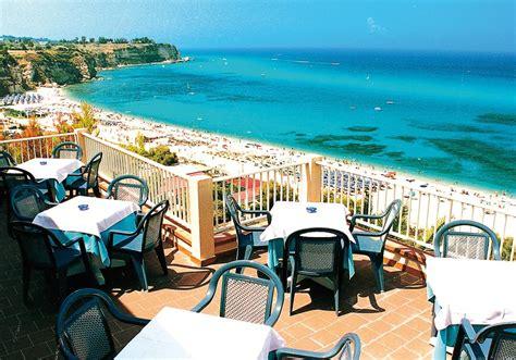 hotel terrazzo sul mare tropea tropea terrazzo sul mare pohodov 233 cestov 225 n 237
