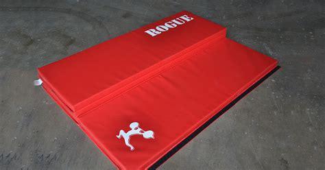 Rogue Fitness Mats by Rogue Crash Mats 4 Section Folding Mats