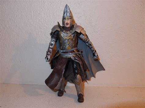 Toybiz Lord Of The Rings King Elendil Figure lord of the rings king elendil figure from 2004 defeat of sauron boxed set toybiz