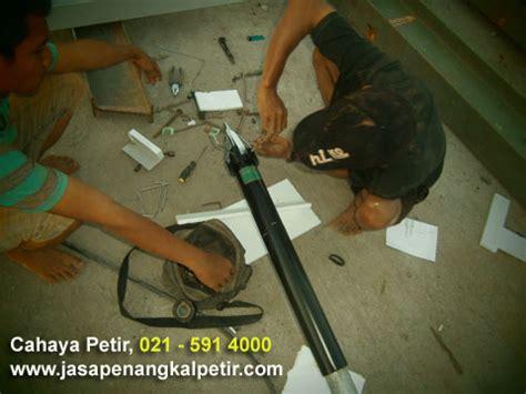 Pemasangan Penangkal Petir Dan Parabola Di Cikarang Bekasi pasang antena tv parabola cctv penangkal petir depok