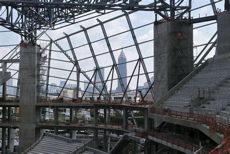venue news atlanta falcons confident  stadium completion date las vegas casino exec