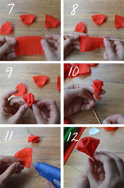 como hacer flores con papel crepe paso a paso tutorial c 243 mo hacer rosas de papel crep 233 departamento de ideas