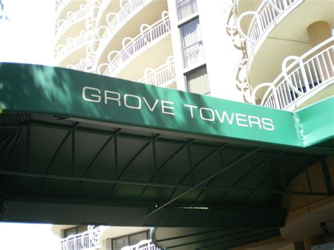 awning lettering graphics
